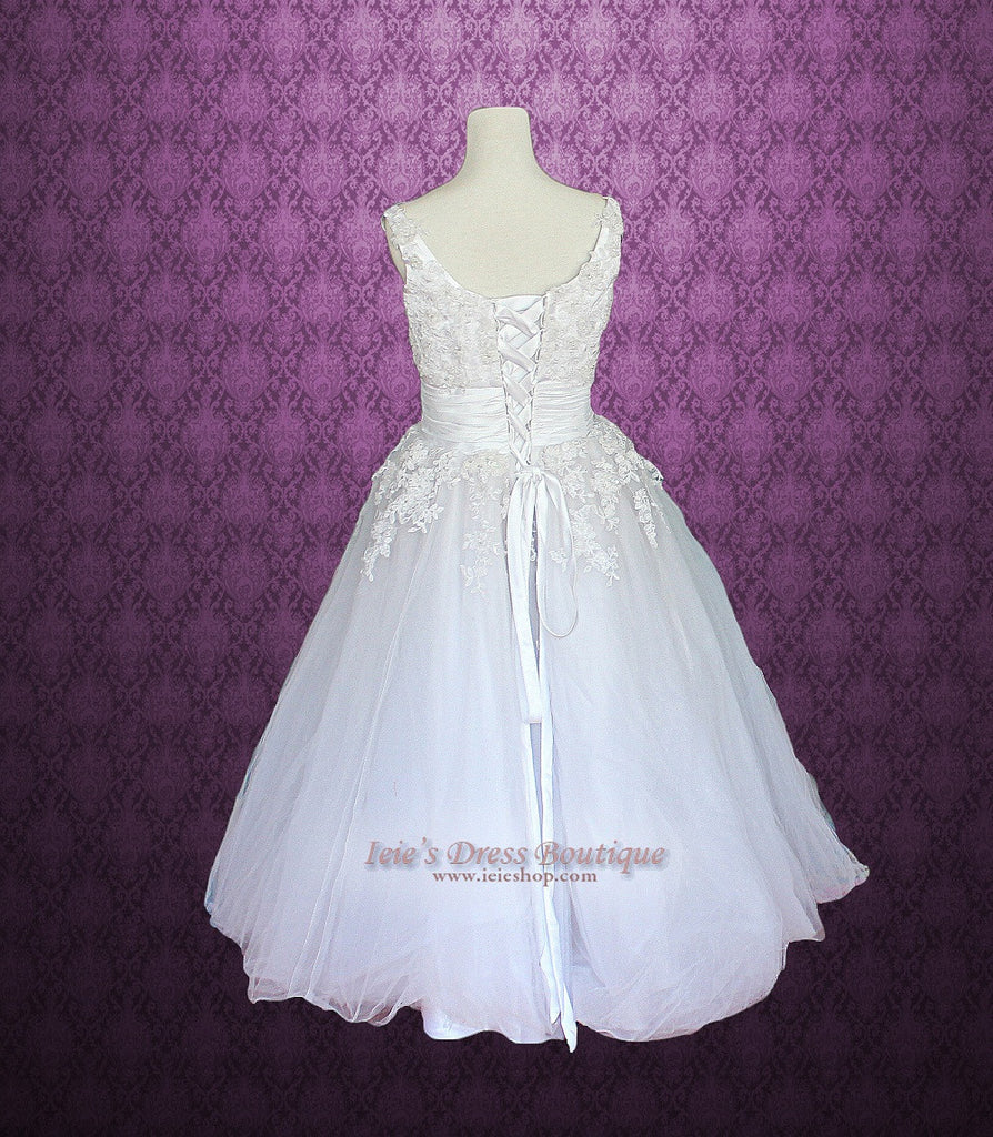 Retro Vintage Style Tea Length Strapless Tulle Wedding Dress with Daisy Floral Applique