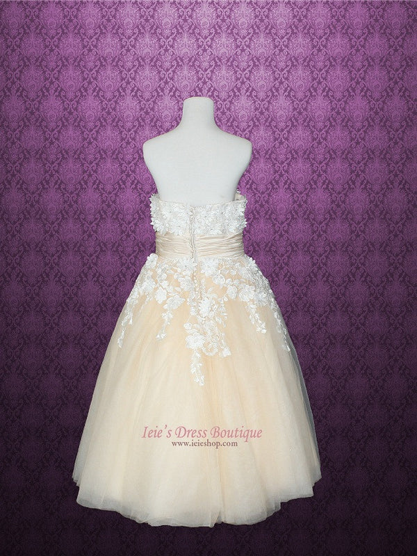 Retro Vintage Style Tea Length Wedding Dress with Daisy Floral Applique
