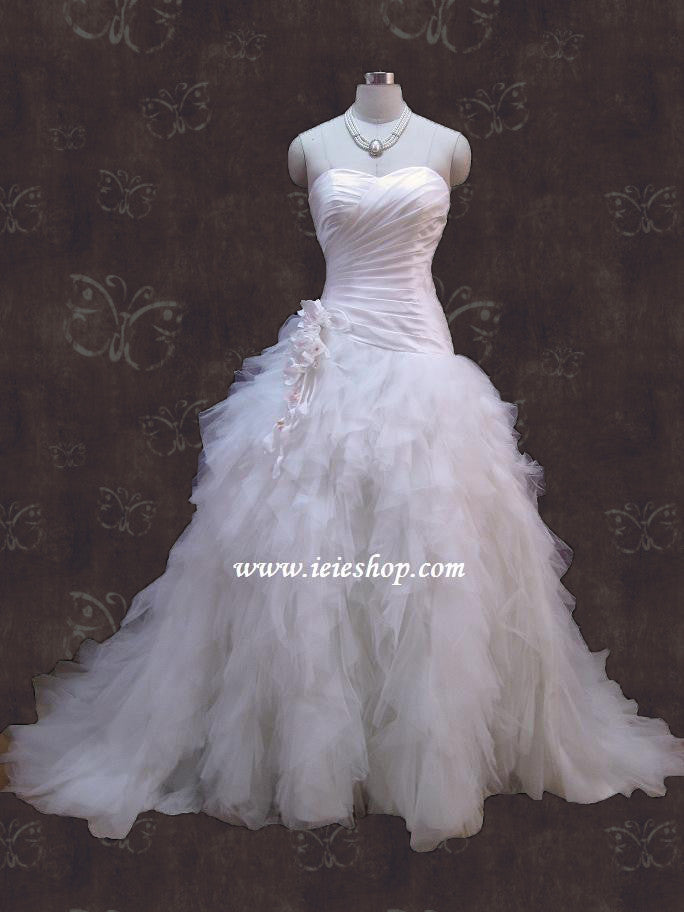 Size 4 Strapless Sweetheart Tulle Ruffles Wedding Dress