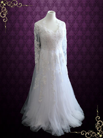 https://www.ieiebridal.com/products/vintage-style-lace-wedding-dress-with-long-sleeves-korina
