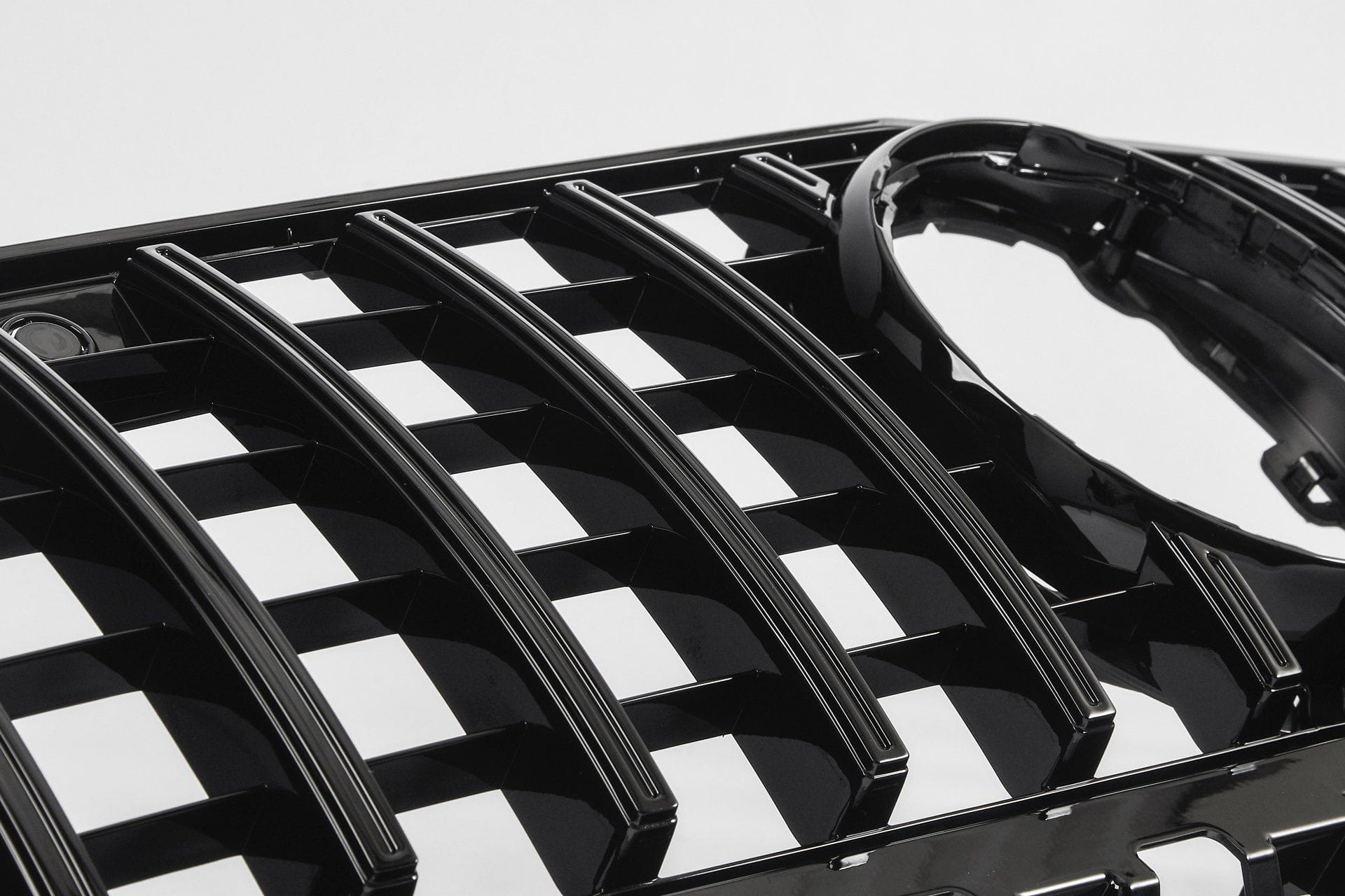 Mercedes-Benz A-Class Panamericana GTR Style Grille (W177 with camera)