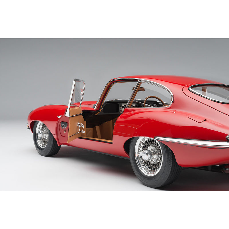 Jaguar E-Type Series 1 Coupe (1961) 1:8 Scale