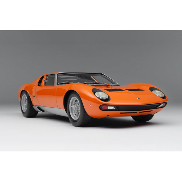 Lamborghini Miura P400 SV (1971) in Orange 1:8 Scale
