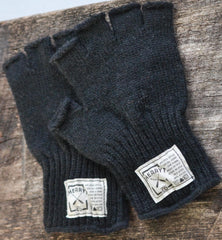 Gentlemen's Hudson Wool Fingerless Gloves in Coal