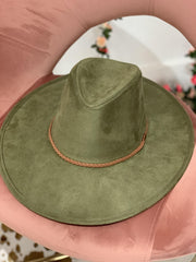 Jet Setter Hat, Olive - Hot Mess Mama Boutique