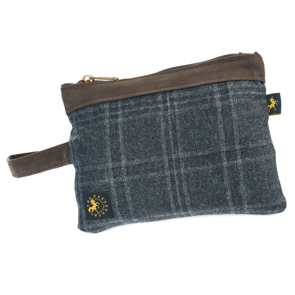 Sassenach Travel Purse