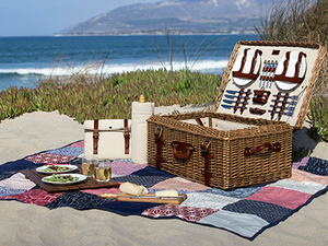 Picnic Baskets, Tables & Accessories