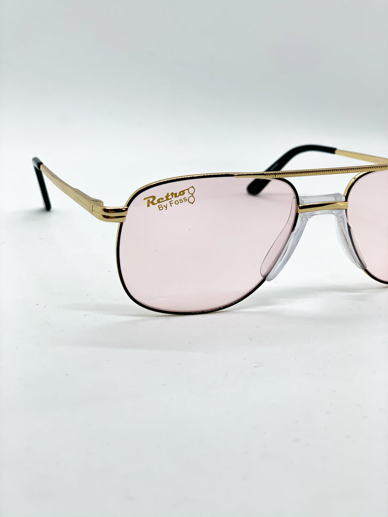 Light pink retro glasses detail