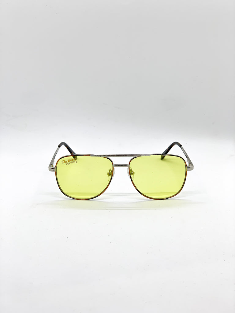 Yellow retro glasses fom the front