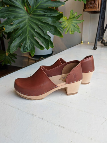 Sandgren Brett Clog in Cognac Vegetable Tan Leather