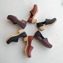 Load image into Gallery viewer, Sandgren Brett Clog in Cognac Vegetable Tan Leather