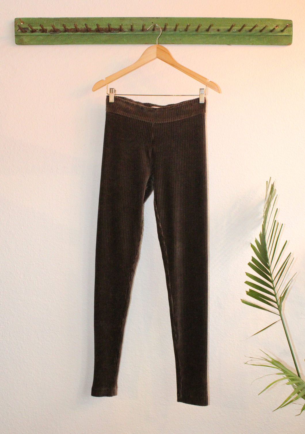Avenue Montaigne Corduroy Legging