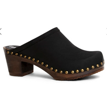 Load image into Gallery viewer, Sandgrens Rome Clog in Black Nubuck