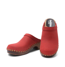 Load image into Gallery viewer, Sandgren's Athens Clog in Red Nubuck