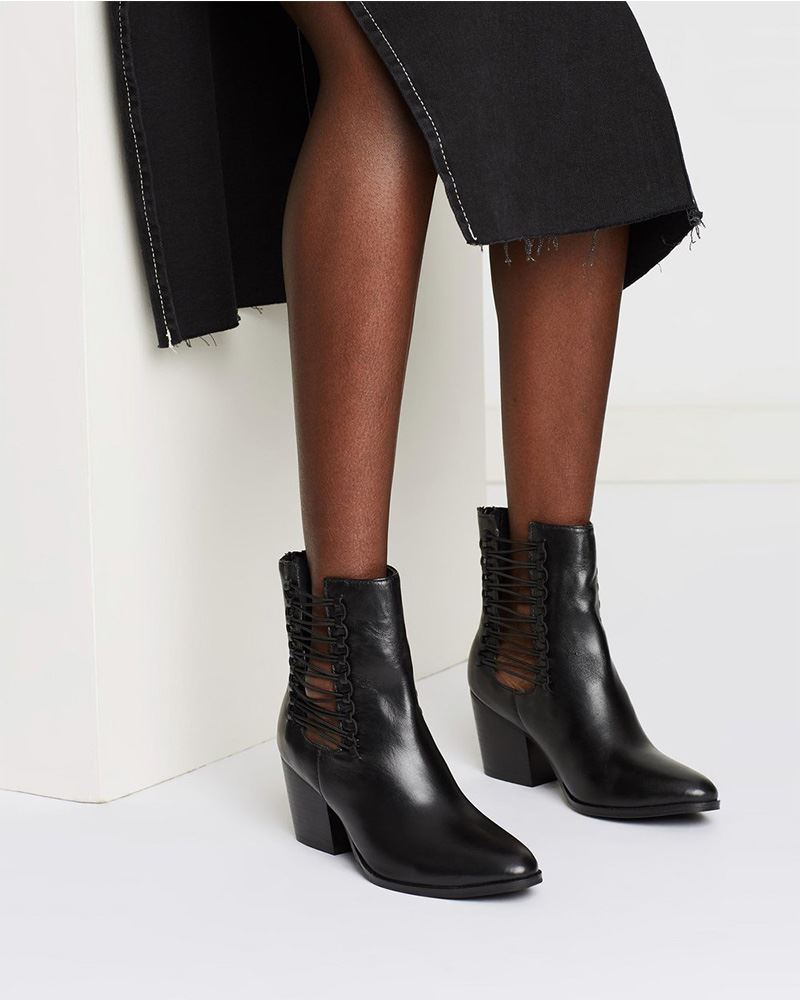 WEAV Boots - lookmonk - boot - woman - fashion - street - style
