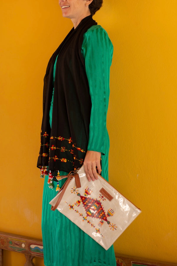 Shop the Look: Matching Siwa Clutch and Shawl