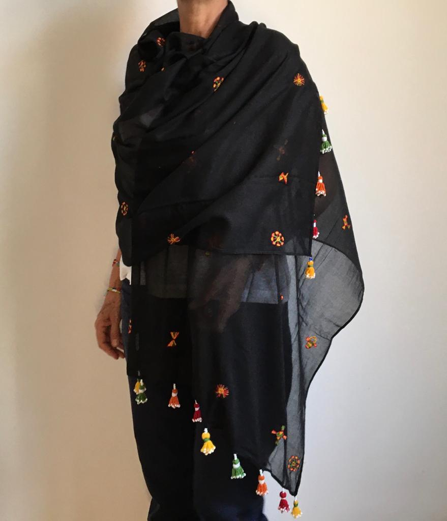 Siwa Spread Shawl