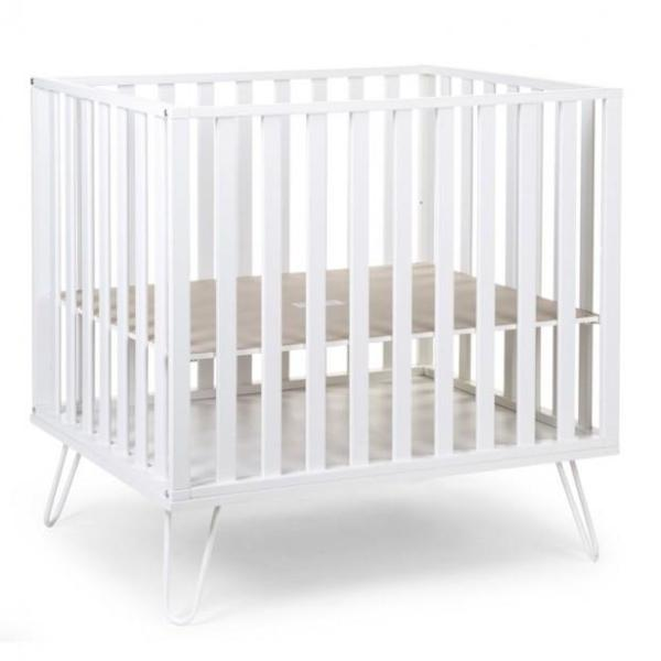 Childwood box PARK 98 BEUK WIT + METALEN POTEN WIT 75x97cm