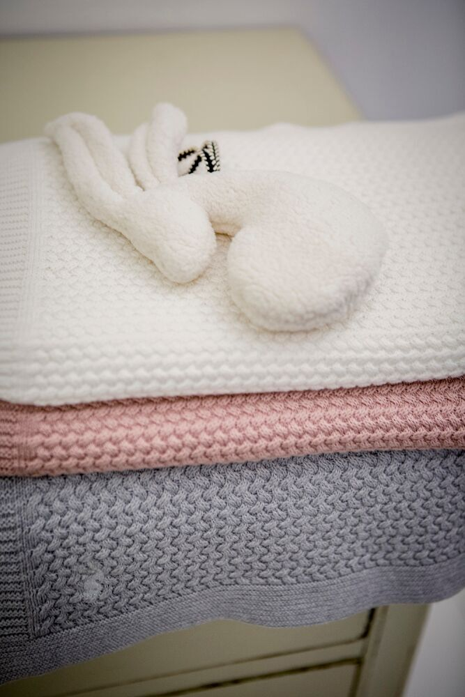 Mies & co Soft Knitted Blanket 110x140cm Off White