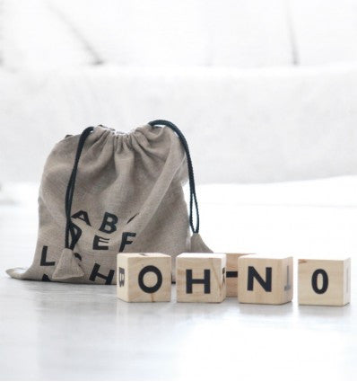 Ooh noo houten Alphabet blocks black - DE GELE FLAMINGO - Kids concept store