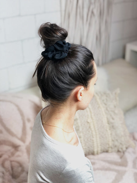 Closer Scrunchie in Black