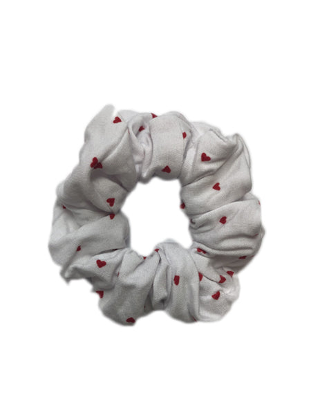 Sweetheart Print Scrunchie In White/Red