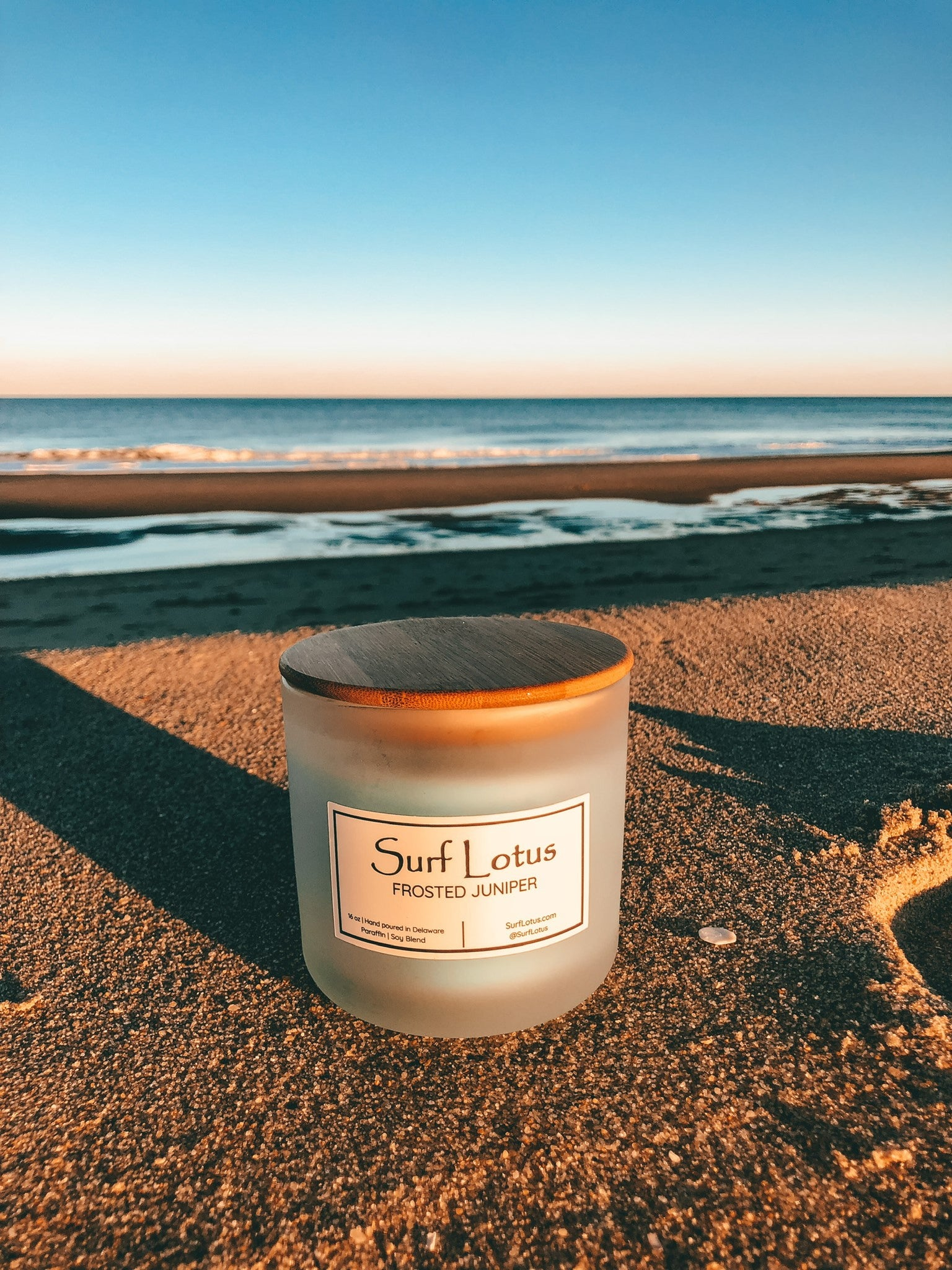 Frosted Juniper 16oz Candle