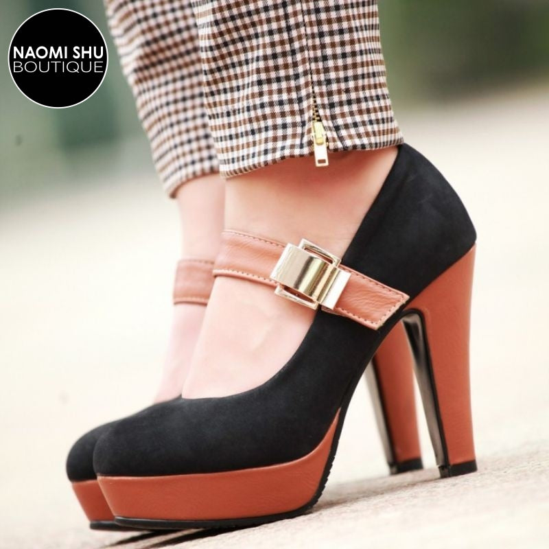 GIZMO Escarpin Buckled Pump