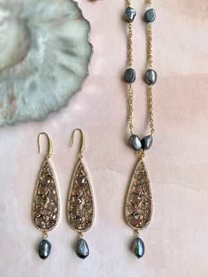 Adrianna grey pearl and glittering zircon set - The Jewelry Palette