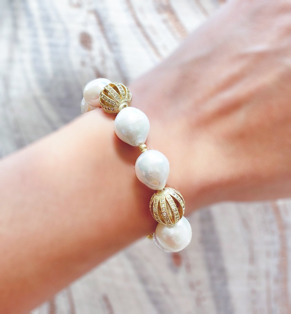 Alara creamy white freshwater pearl and gold bracelet - The Jewelry Palette