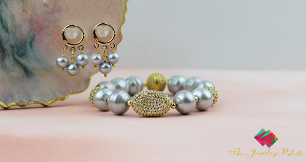 Celine lustrous grey freshwater pearl and gold bracelet - The Jewelry Palette