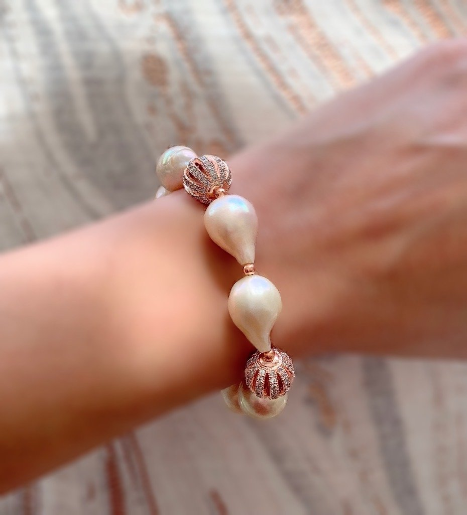 Madeleine lustrous pink Edison pearl and rose gold bracelet - The Jewelry Palette