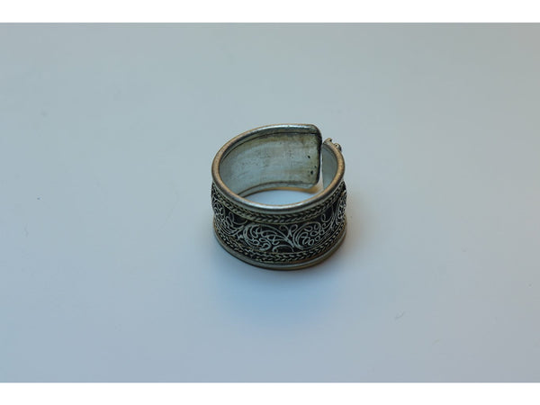 Tibetan<p/> filigree ring
