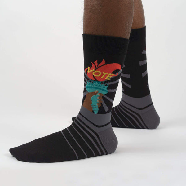 Liberty Enlightens the World Men's Crew Socks