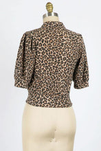 Load image into Gallery viewer, Mina Top, Leopard
