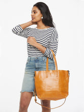 Load image into Gallery viewer, Abera Crossbody Tote
