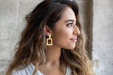Load image into Gallery viewer, Square Gold Dangle Earring
