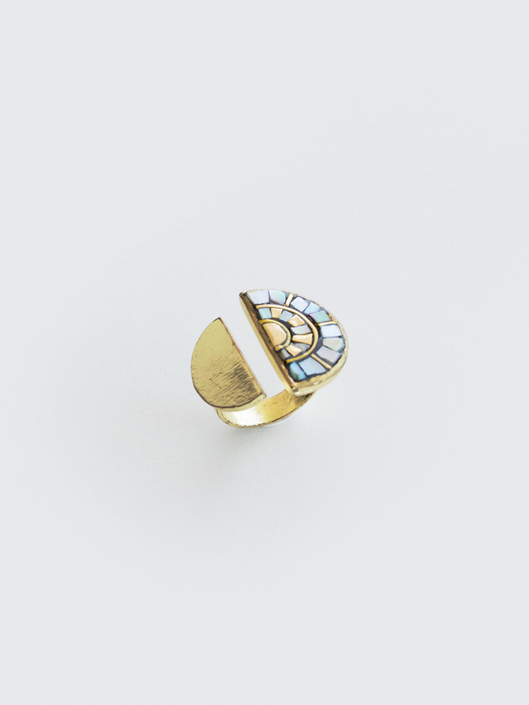 Mosaic Rays Ring, Shell