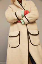 Load image into Gallery viewer, Irresistable Teddy Cardi / Cream