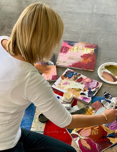 contemporary artist living artist working artist female artist women supporting women