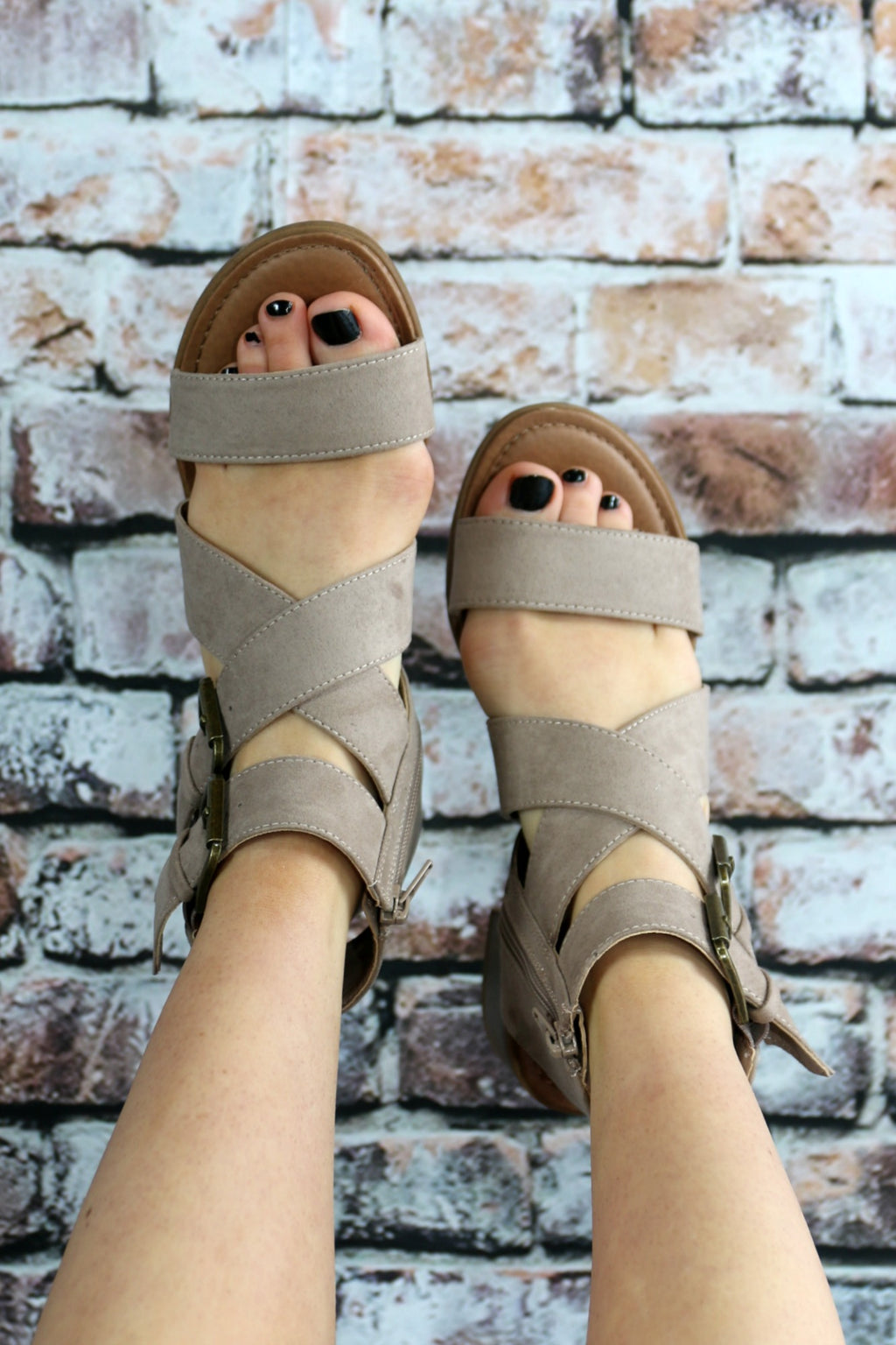 On Holiday Sandal - Yellow Kiss Boutique