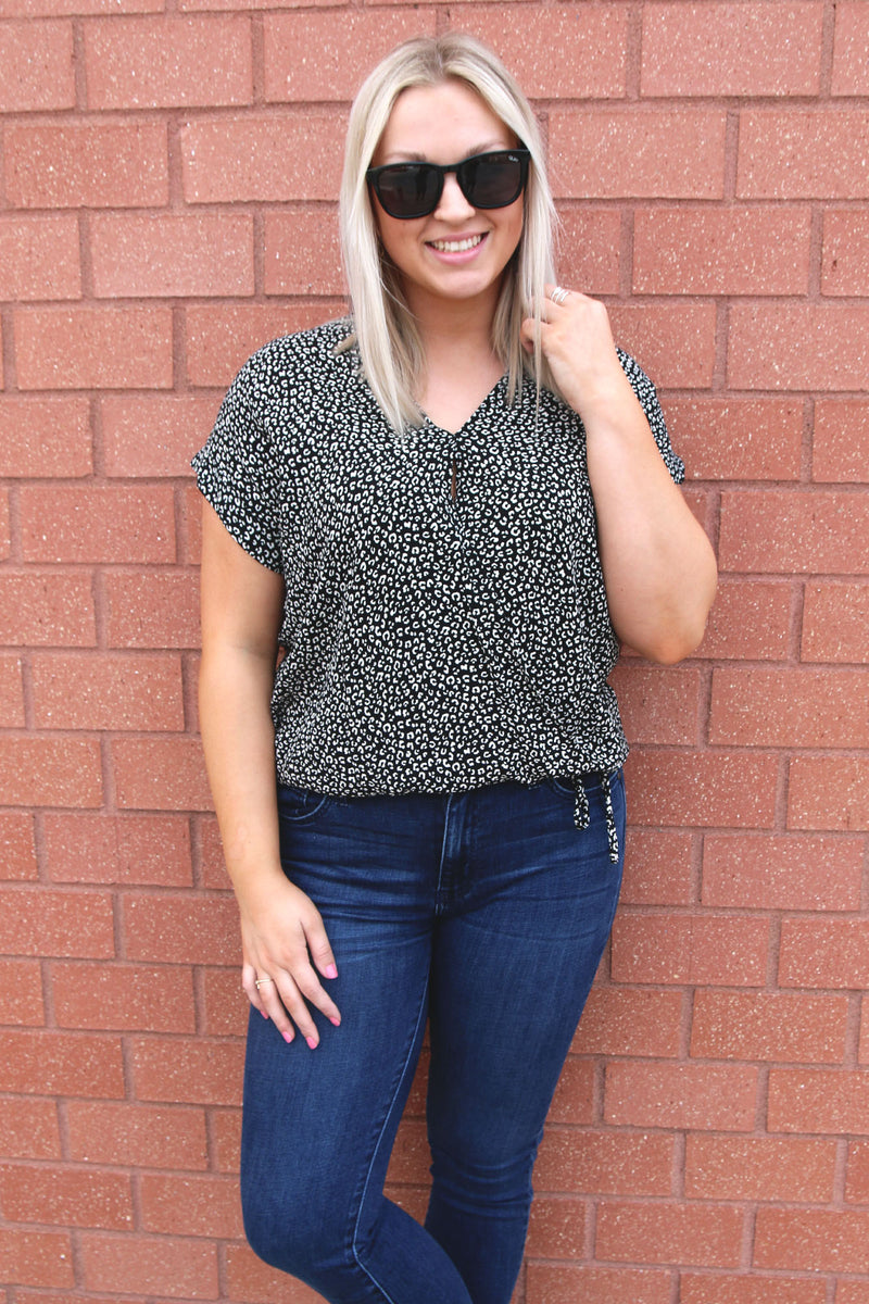 Printed Black & White Leopard Top - Yellow Kiss Boutique