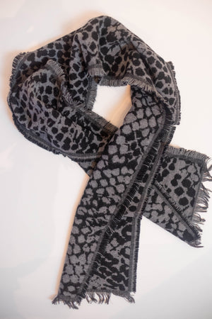 Grey & Black Pattern Scarf