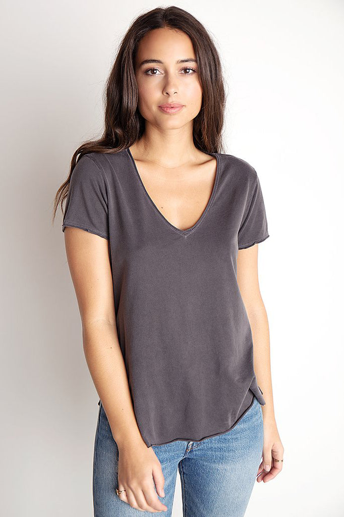 bella dahl raw edge v-neck tee