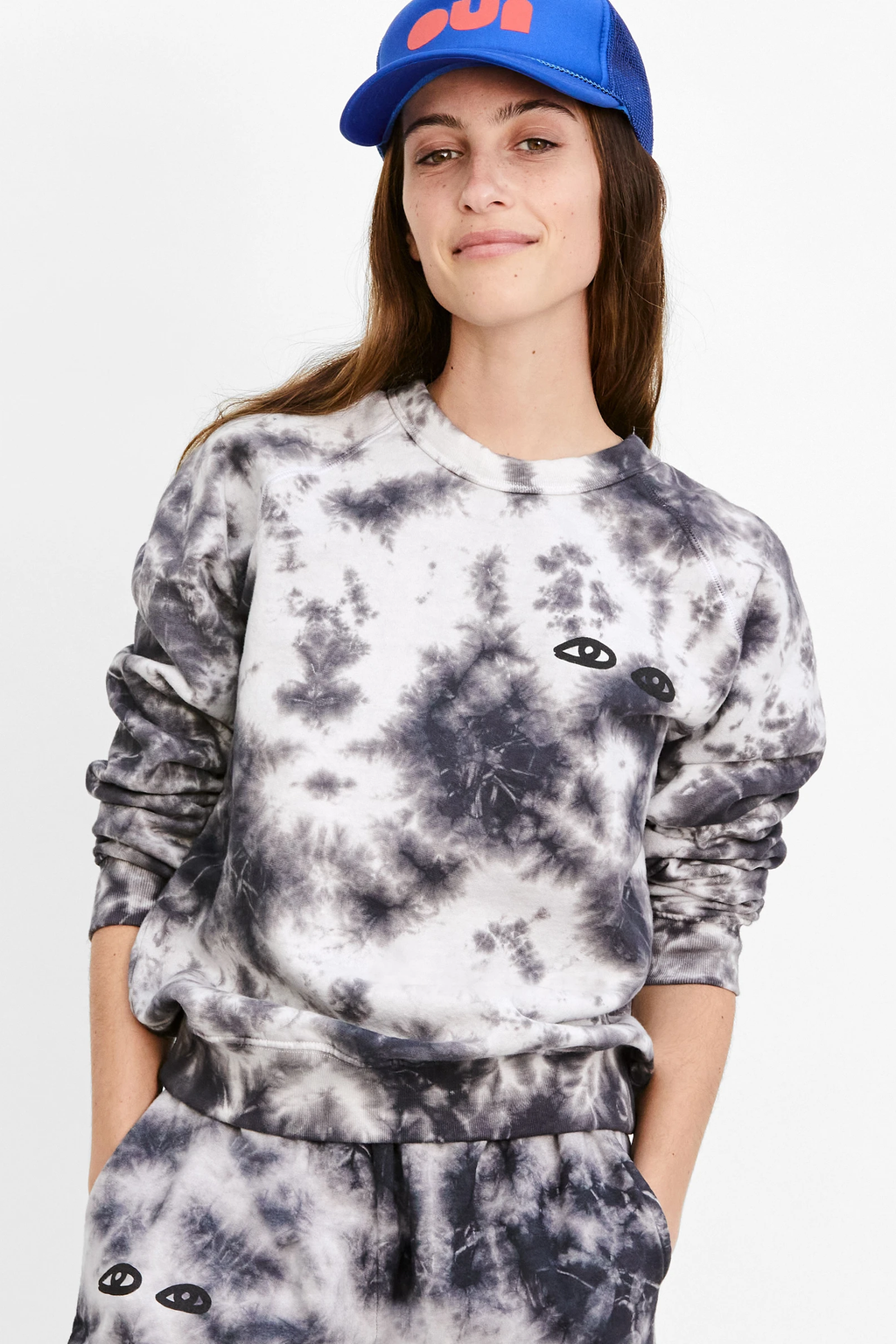 clare v. sweatshirt black white tie dye with eyes