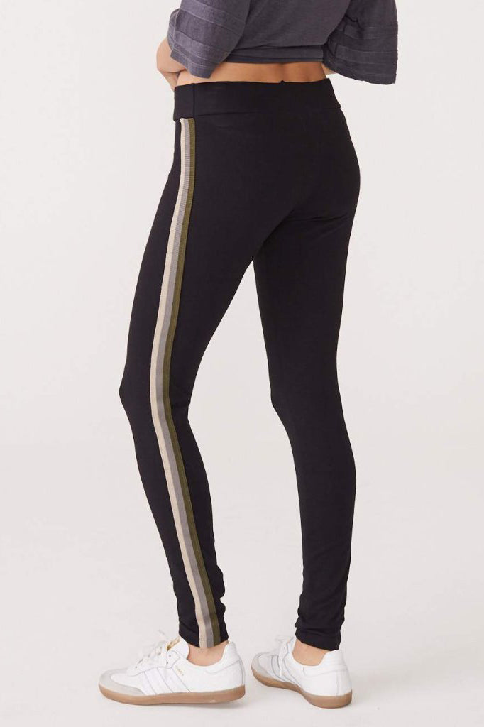 monrow neutral stripe legging