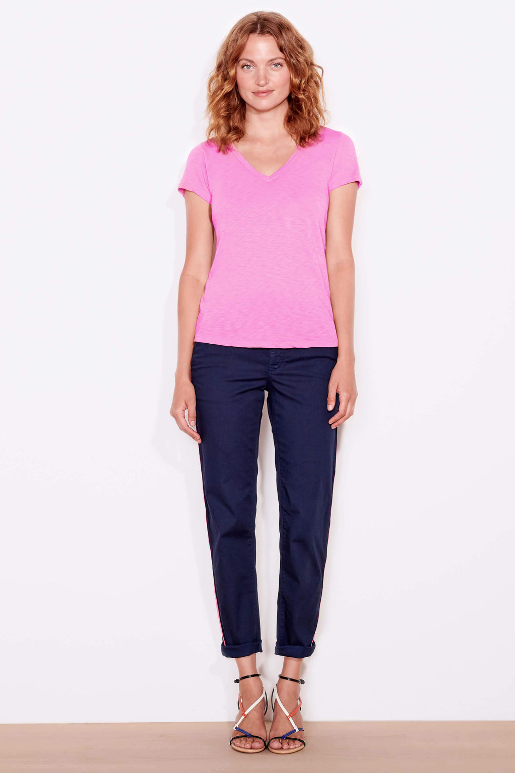 sundry v-neck tee neon pink