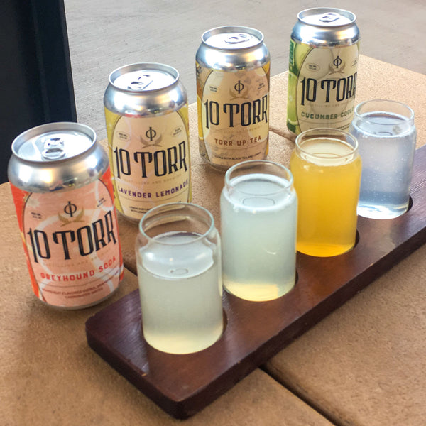 10 Torr canned cocktails taster board