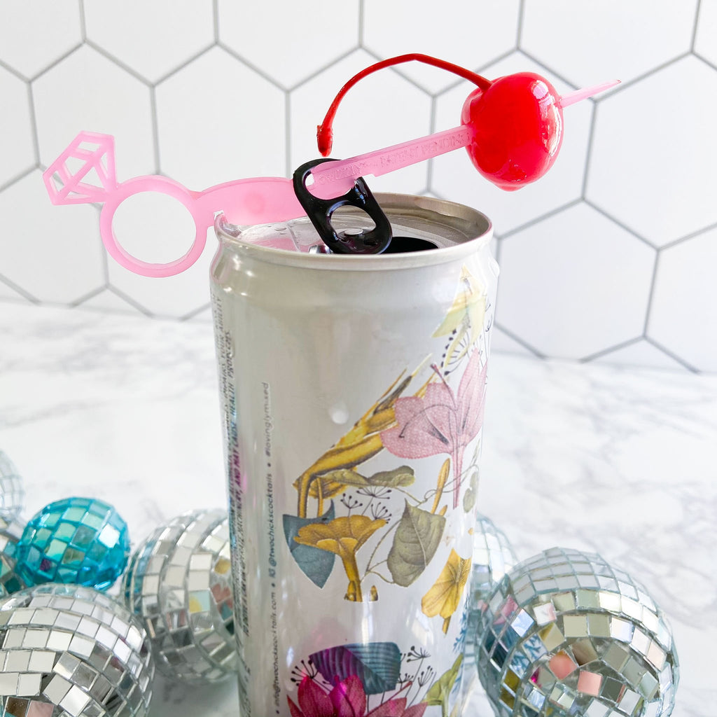 Hot pink diamond ring Swizzly Stick for cans. Perfect bachelorette party favor drink marker for cans.