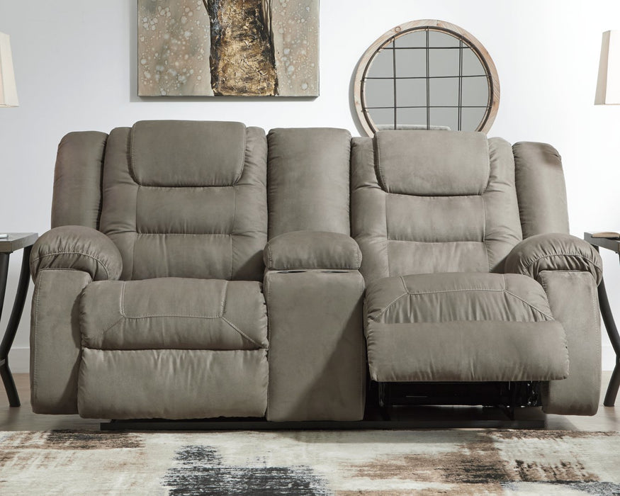 McCade Signature Design by Ashley Loveseat
